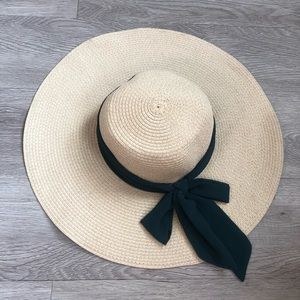 Accessories - Ladies straw floppy hat with bow knot tie back
